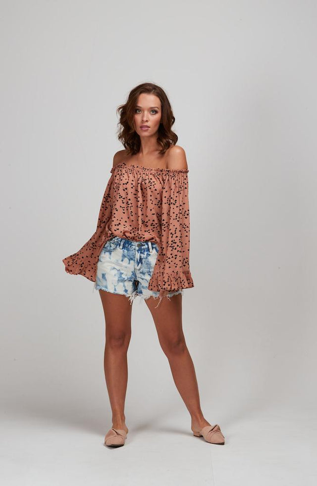 CARAMEL HEARTS TOP
