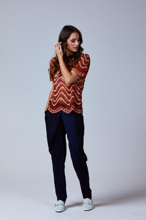 MADDIE WAVE LACE TOP RUST