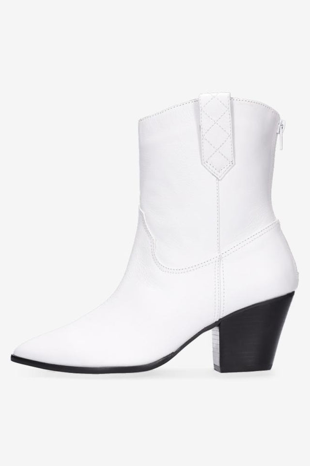 Miley White Cowgirl Boot