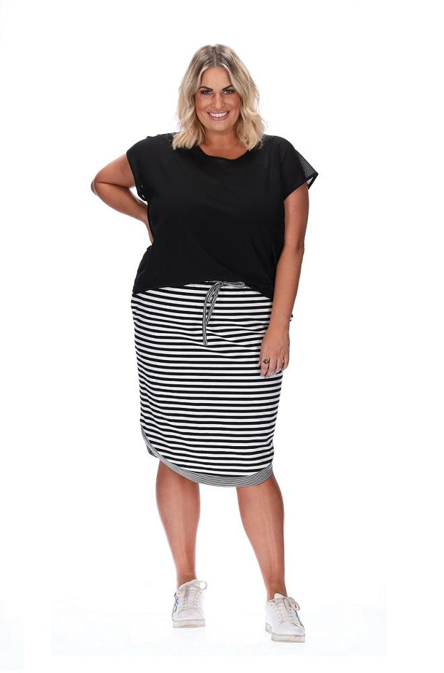 Stripe Curve Skirt