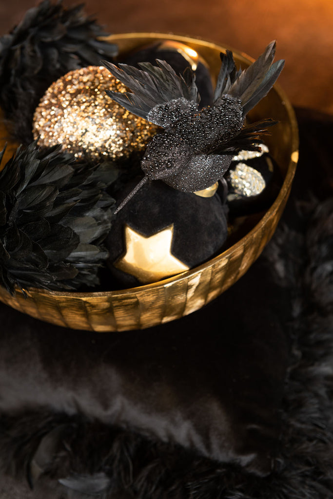 Deco ball with black feathers