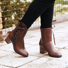 Load image into Gallery viewer, Women's vintage low heel Plus Size Boots