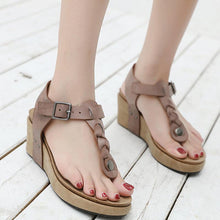 Load image into Gallery viewer, Women Comfortable Flip Flops Wedge Buckle Sandals