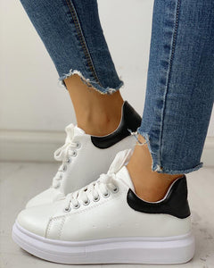 Lace-Up Muffin Casual Sneakers
