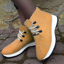 Load image into Gallery viewer, Women Winter Slip-On Lace-Up Woolen Sneakers