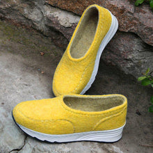 Load image into Gallery viewer, Women Winter Casual Slip-On Woolen Sneakers