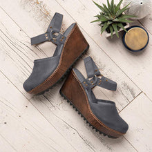 Load image into Gallery viewer, Vintage Closed Toe Wedge Heel Buckle Strap Sandals