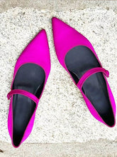 Load image into Gallery viewer, Women's Fashion Simple Pointed Flat Shoes
