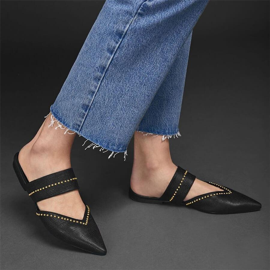 Fashion Vintage   Studded Pointed Flat Shoes