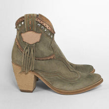 Load image into Gallery viewer, Chunky Heel Faux Suede Rivet Boots Fringe Ankle Boots