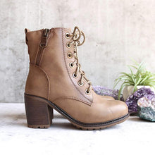 Load image into Gallery viewer, Plus Size Vintage Leather Chunky Heel Martin Boots