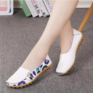 Boat shoes woman 2020 new fashion genuine leather shoes casual loafers slip-on round toe solid women flats shoes plus size 35-44