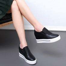 Load image into Gallery viewer, Round Toe Women Platform PU Fashion Sneakers