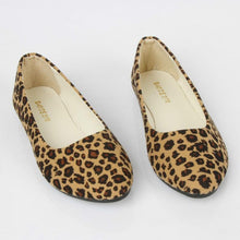 Load image into Gallery viewer, Leopard Flat Heel All Season Flats