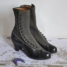 Load image into Gallery viewer, Women's Victorian style boots