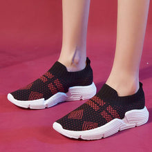 Load image into Gallery viewer, Unisex Flat Athletic Slip-On All Season Sneakers