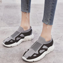 Load image into Gallery viewer, Unisex Athletic Slip-On Flat All Season Sneakers