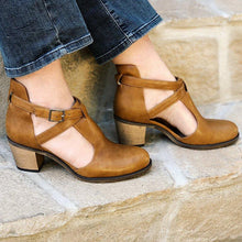 Load image into Gallery viewer, Adjustable Buckle Chunky Heel Dress Shoes Fall Closed Toe Heels