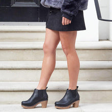 Load image into Gallery viewer, Classic Slip On Block Heel All Season Ankle Boots