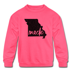 Made (Missouri black print) Kids' Crewneck Sweatshirt - neon pink