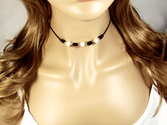 Pearl Leather Choker necklace