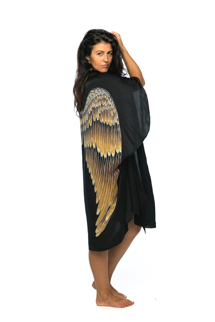 Black with Caramel Wings