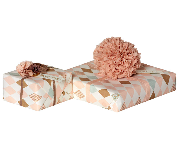 Harlekin Gift wrap in Rose