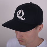 QUASI OE 6-PANEL CAP - BLACK