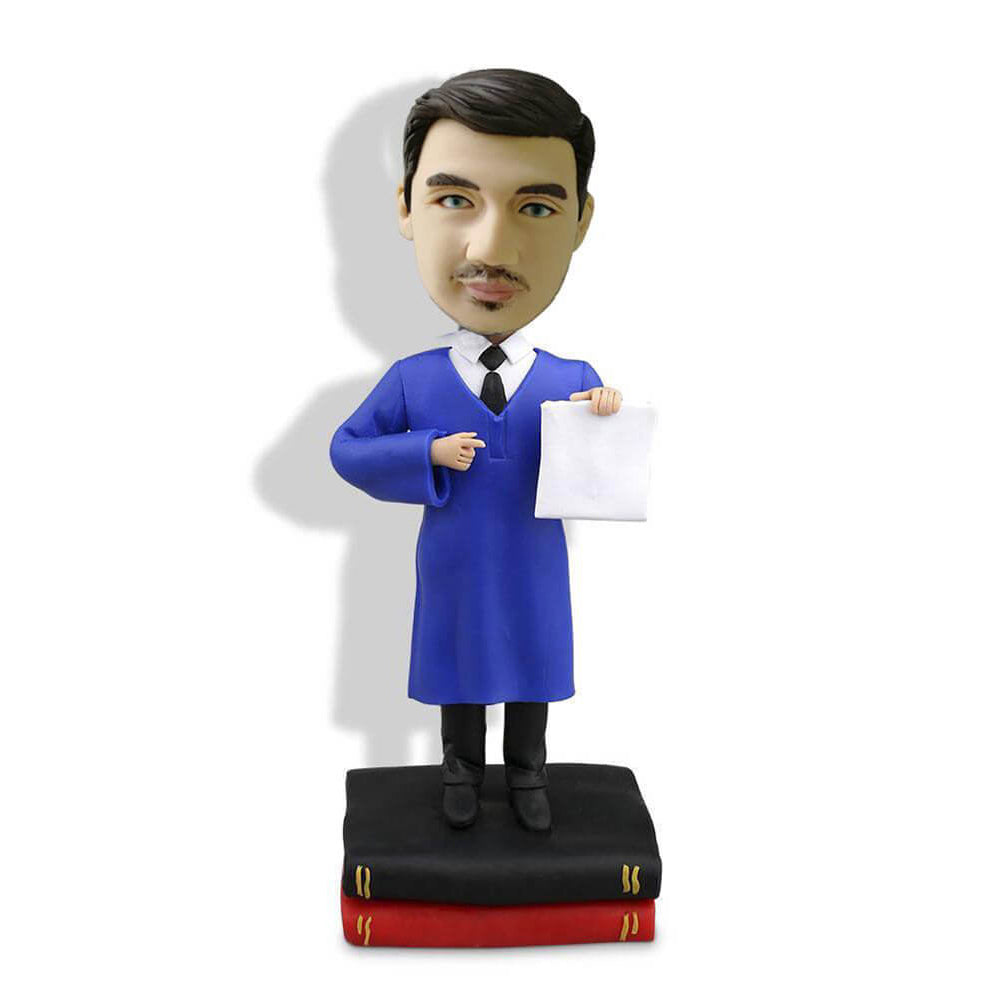 Male graduate Bobblehead displaying diploma