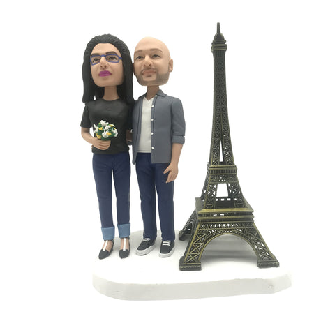 couple with Eiffel tower