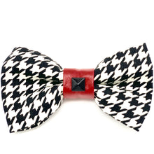 Load image into Gallery viewer, Red faux leather houndstooth collar & bow tie