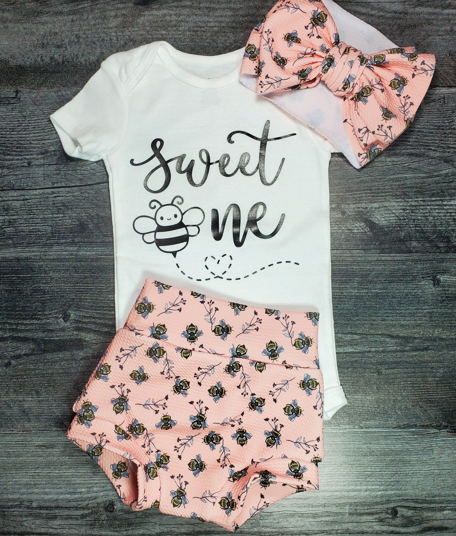 1 year old outfit - Bee ' Sweet One' Outfit