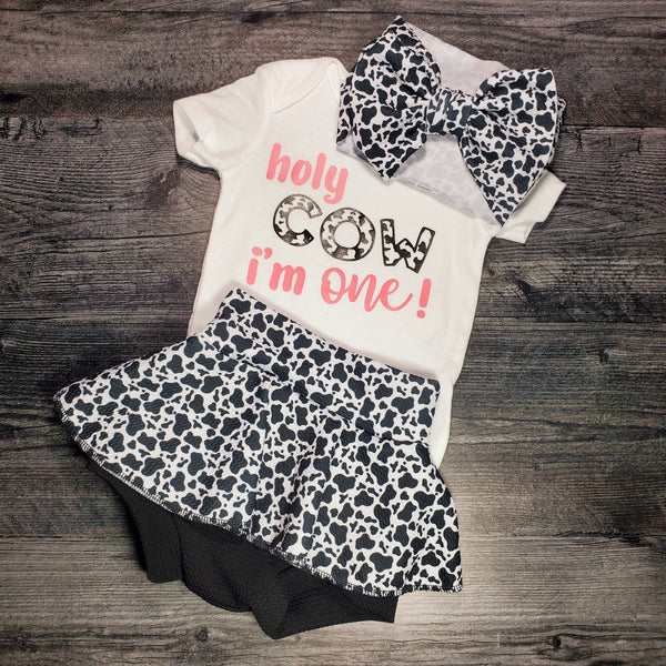 1 year old outfit - 'Holy Cow i'm One' Outfit