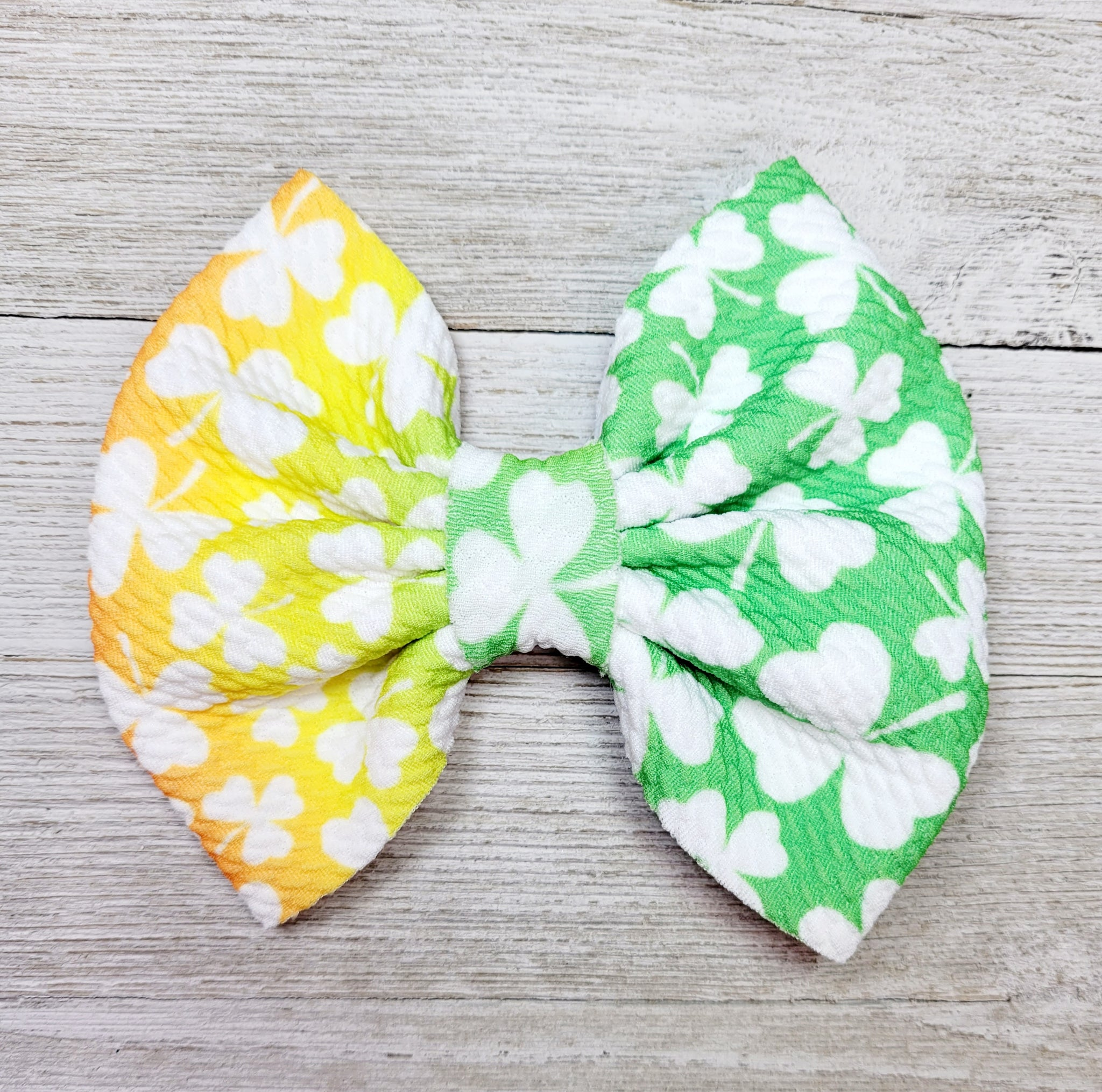 Rainbow Shamrock - Bow, Pinwheel and Piggies