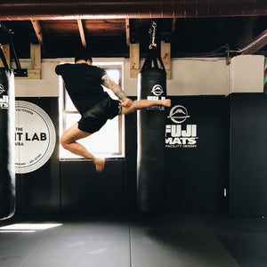 muay thai bag kick