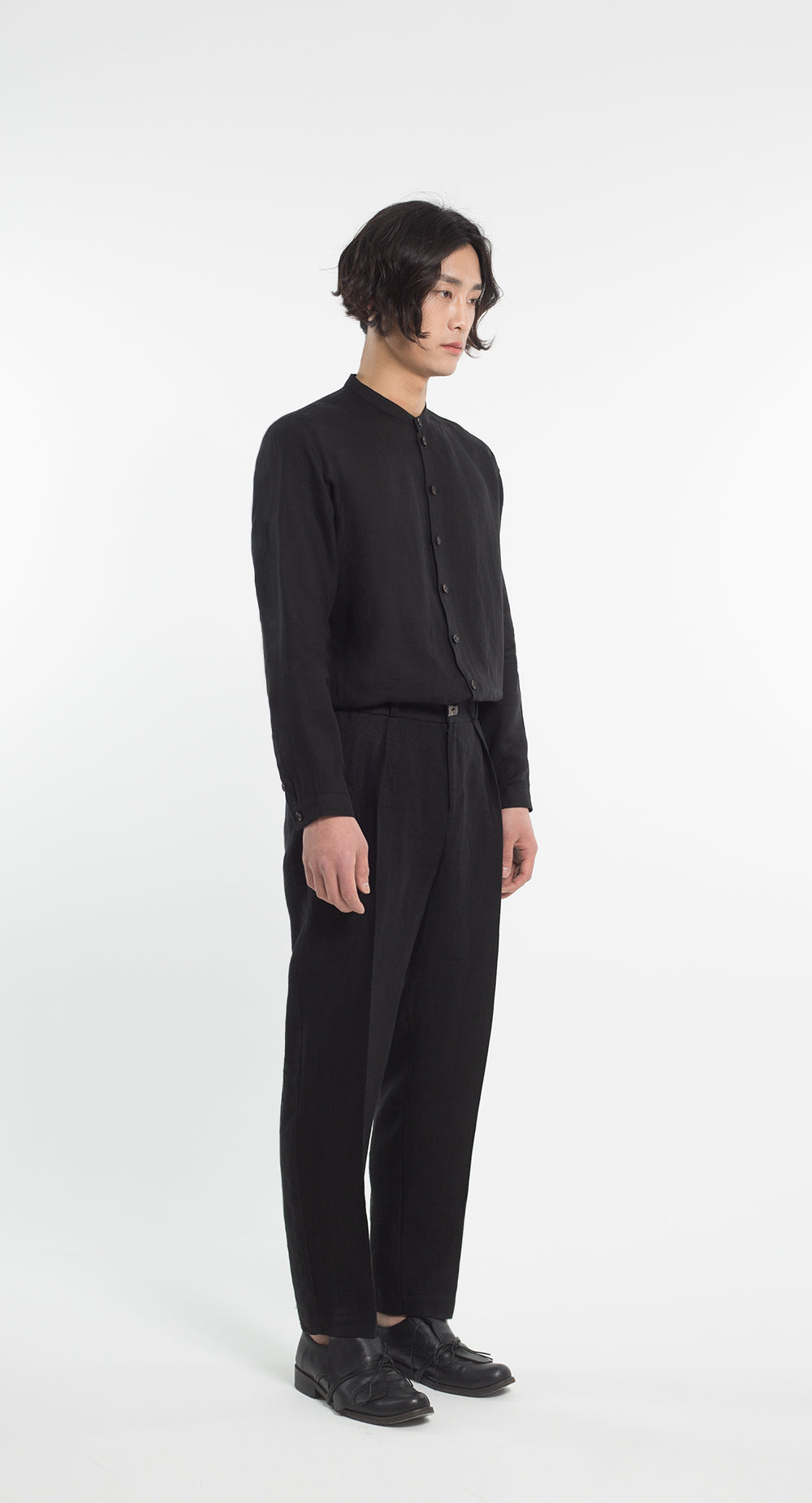 One-Tuck Linen Pants BK