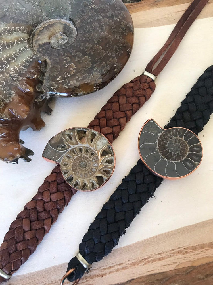 Load image into Gallery viewer, Ammonite Copper and Leather Bracelet