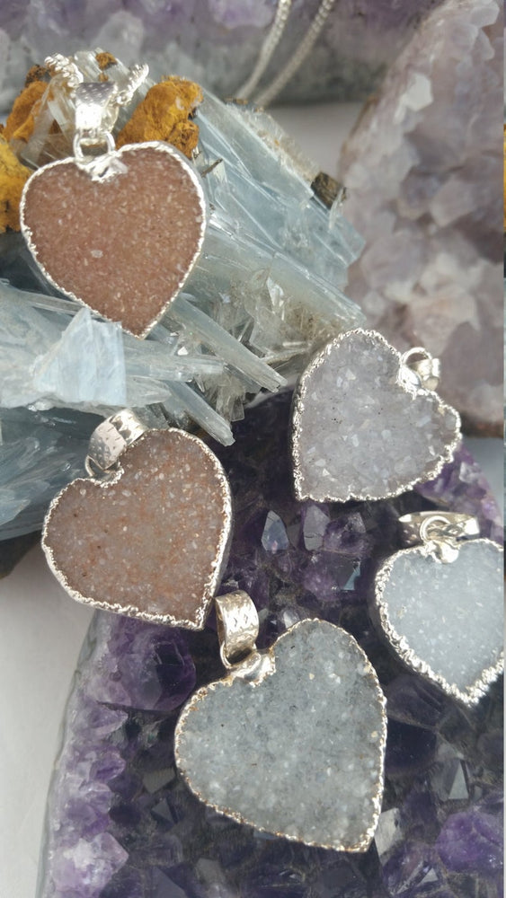 Druzy Heart Necklace, Gemstone Heart Necklace, Druzy Heart Pendant, Heart Necklace