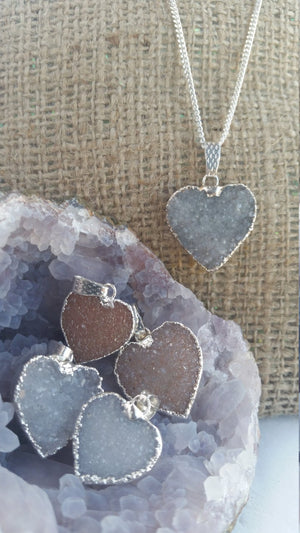 Load image into Gallery viewer, Druzy Heart Necklace, Gemstone Heart Necklace, Druzy Heart Pendant, Heart Necklace