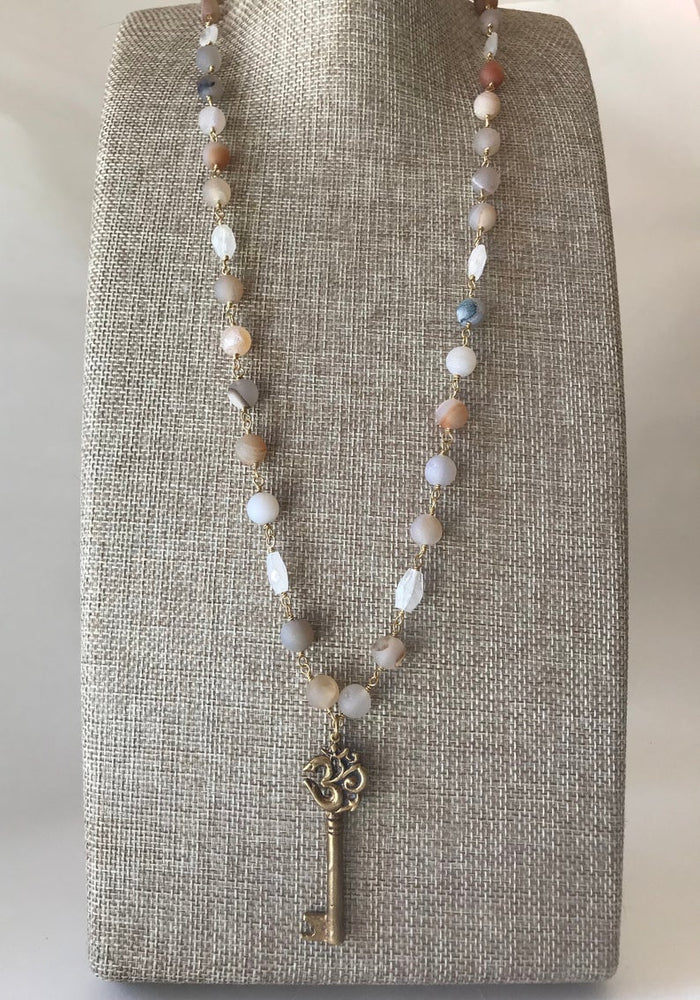 Load image into Gallery viewer, Om Key Necklace, Druzy Necklace, Druzy Necklace With Om Pendant