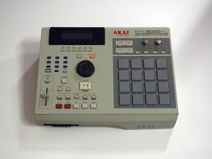 AKAI MPC 2000XL SAMPLER VINTAGE DRUM MACHINE SYNTH SYNTHESIZER VANCOUVER CANADA 303 606 707 808 909