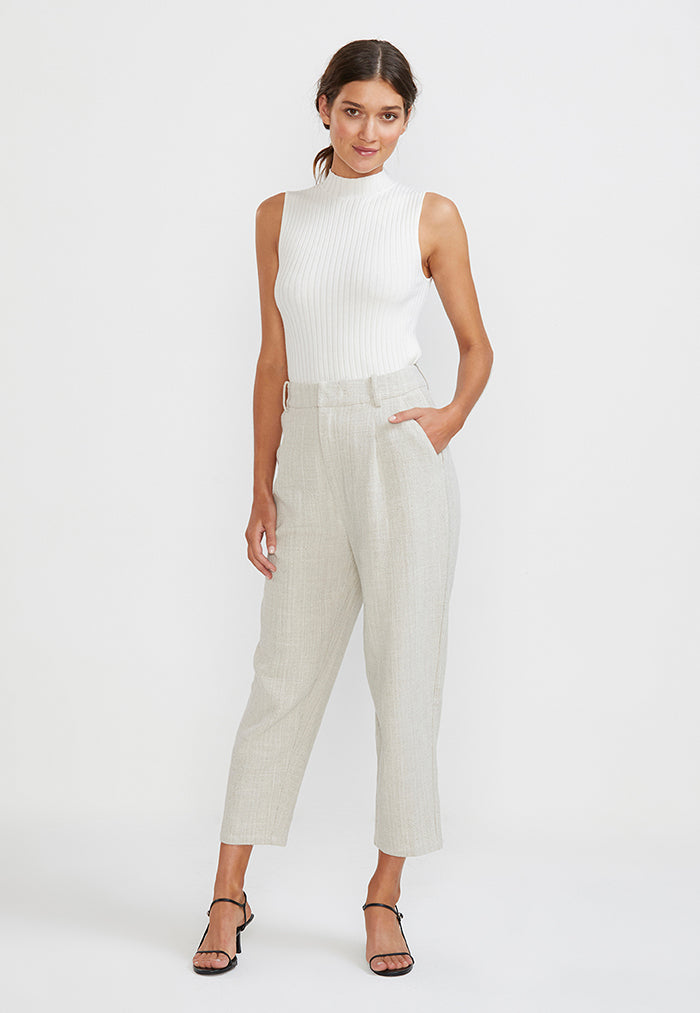 Ankle cut cropped pants