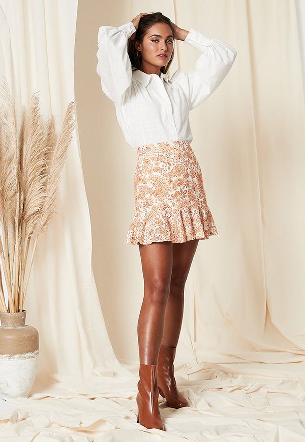 ruffled hem short skirt with paisley print