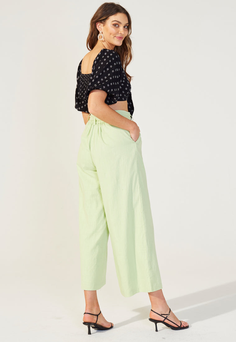 Wide legged pants