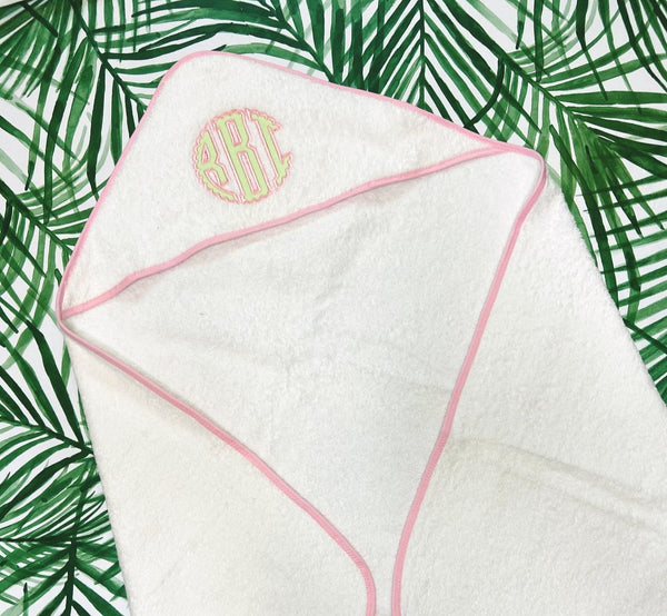 Hooded Towel with appliqué monogram- Pink Trim