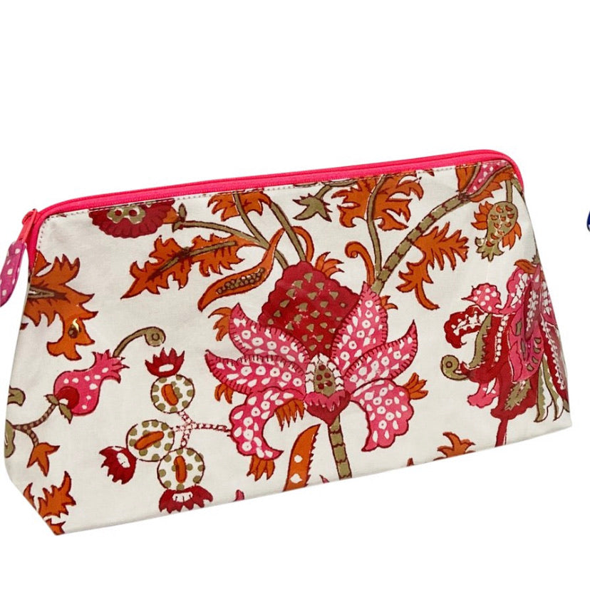 Roller Rabbit Amanda Makeup Bag (Large Size)