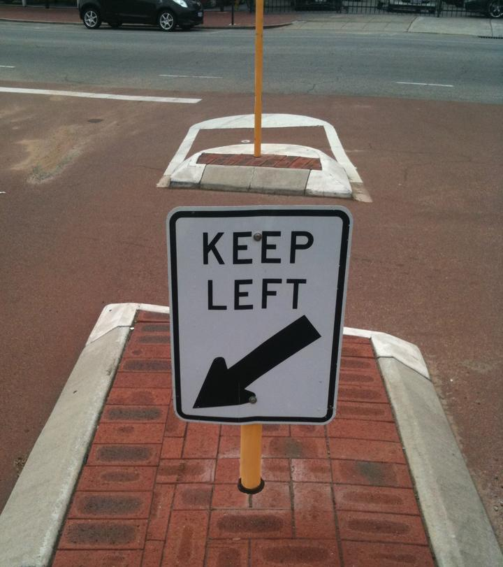 Post Smart Keep Left