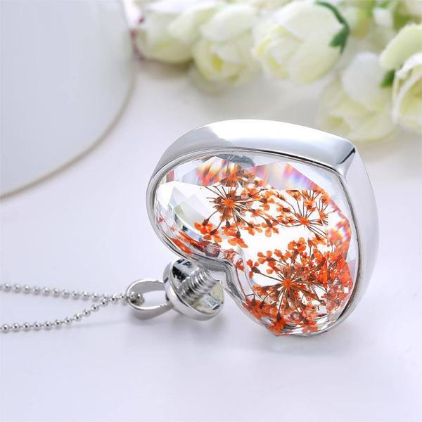 Classic Love Heart Dry Flower Necklace