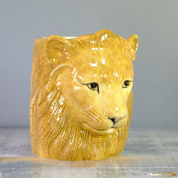 Ceramic 'Lion' Pencil Pot.