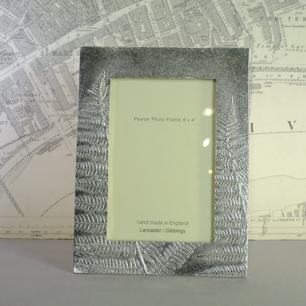 "Handmade Fern Design Pewter Photograph Frame for 6"" x 4"" Picture."